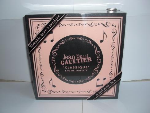 2008 Christmas music box