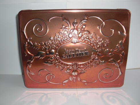 1999 mothers day biscuit tin set front