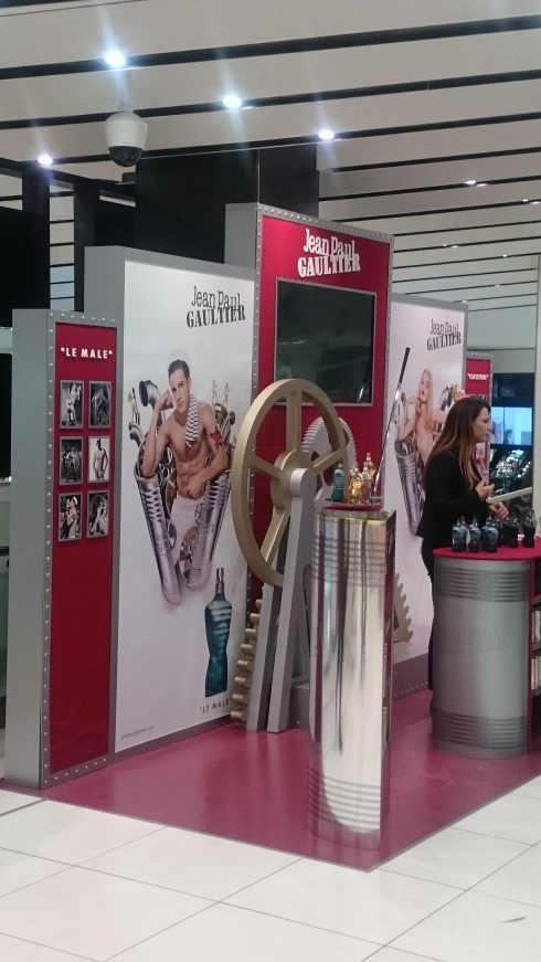 Classique display stand